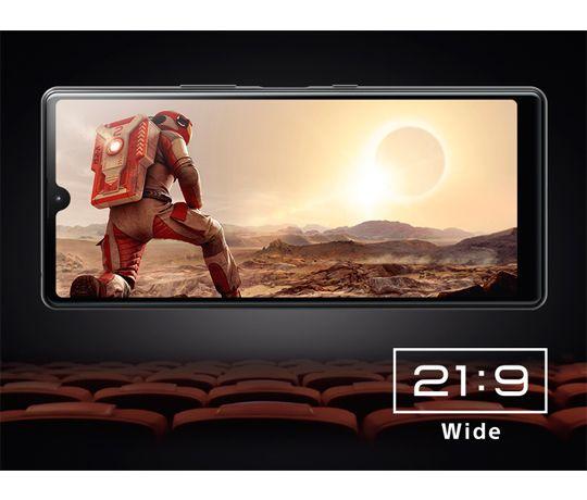 En biograflignende 21:9 Wide HD+ skærm